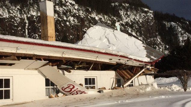 Le toit du Café bistro Léz'Arts s'est effondré