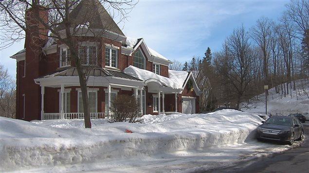 Une perqusition a eu lieu dans cette résidence de l'impasse Marie-Guyart à Québec.