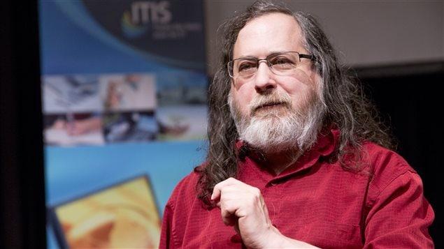 Le programmeur Richard Stallman en conférence à l'Université Laval