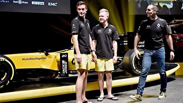 La présentation de la RS16 à Melbourne avec Jolyon Palmer, Kevin Magnussen et Cyril Abiteboul