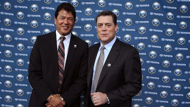 Pat LaFontaine (à droite) en compagnie de l'entraineur Ted Nolan