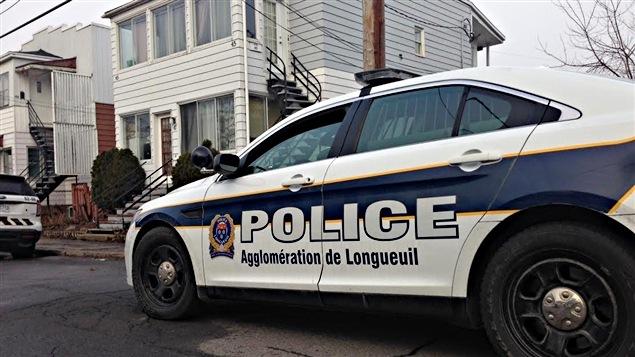 Plusieurs résidences de Longueuil sont visées par l'opération Spartiate du Service de police de l'agglomération de Longueuil.