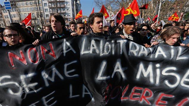 Un millier de personnes environ ont manifesté à Strasbourg contre la réforme du Code du travail.