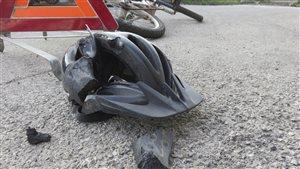 Accident entre un cycliste et une auto.