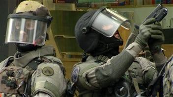 Intervention policière dans le quartier de Molenbeek, à Bruxelles