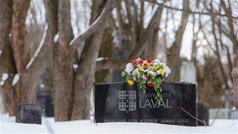 L'Université Laval salue la mémoire de ceux qui donnent leur corps à la science.