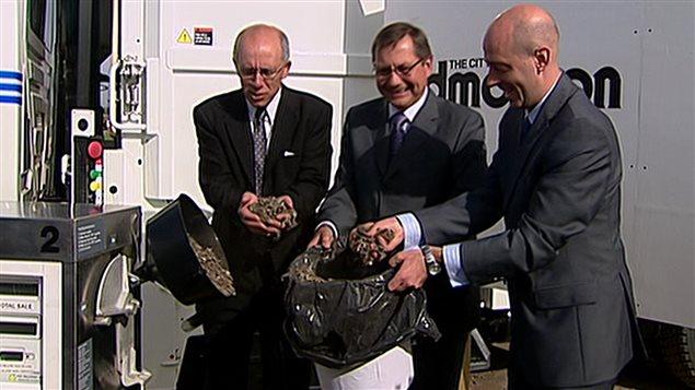 En 2008, le maire d'Edmonton, Stephen Manel, le premier ministre albertain, Ed Stelmach, et le PDG d'Enerkem, Vincent Chornet annonçaient un parternariat pour transformer les déchets en éthanol.