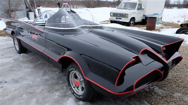 Un Manitobain a passé les deux dernières années à construire une réplique fidèle de la voiture de Batman.