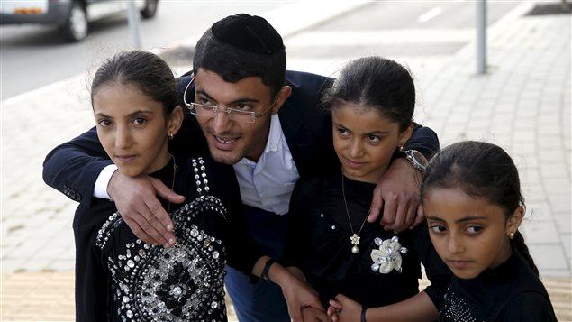 Une famille juive yéménite à son arrivée en Israël.