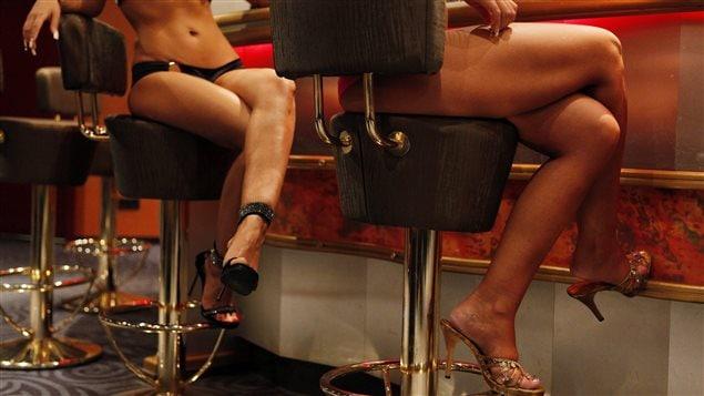 L'Allemagne adopte une loi qui encadre davantage la prostitution, notamment en obligeant le port du condom.