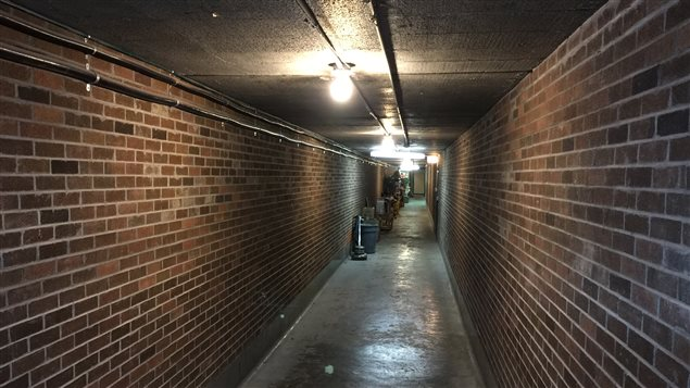 Le tunnel a subit quelques légères transformations au fil des ans. Entre autre, de l'éclairage y a été ajouté.