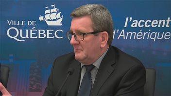 Régis Labeaume affirme qu'il entend écouter ce que le CIO a à dire.