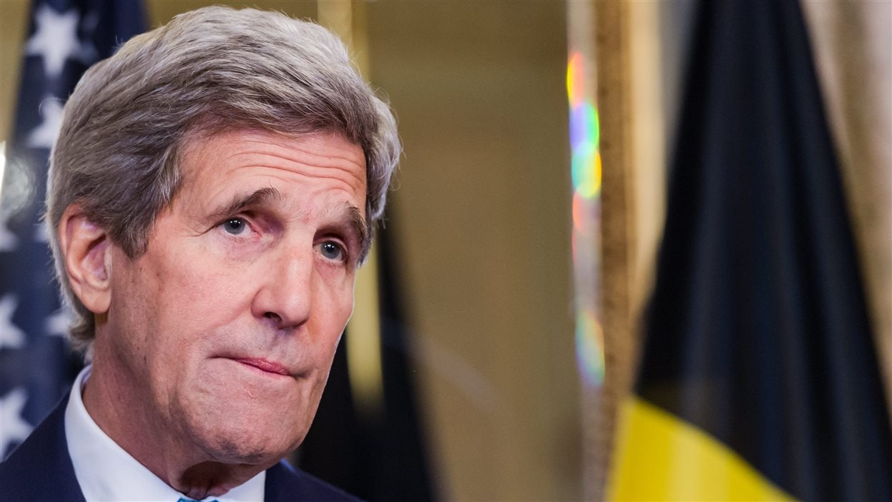 Le Secrétaire d'État américain John Kerry a présenté ses condoléancs au premier ministre belge, Charles Michel.