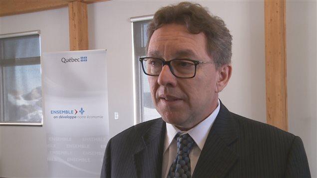Le ministre Jean D'Amour à Baie-Comeau