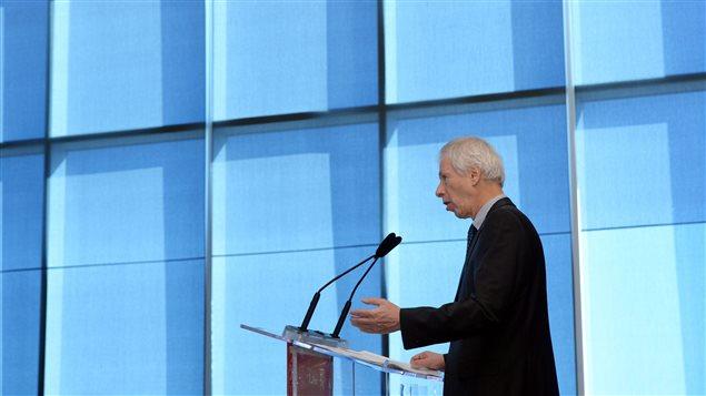 Le ministre Stéphane Dion à l'Université d'Ottawa, le 29 mars 2016