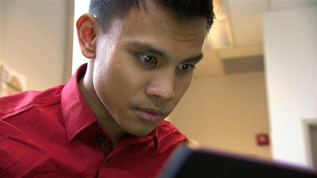 Le Malaisien Hazim Ismail espère obtenir le statut de réfugié pour éviter de retourner dans on pays où il risque l'emprisonnement en raison de son homosexualité.