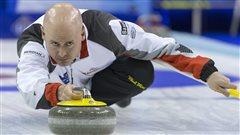 Kevin Koe rapporte le titre mondial au Canada