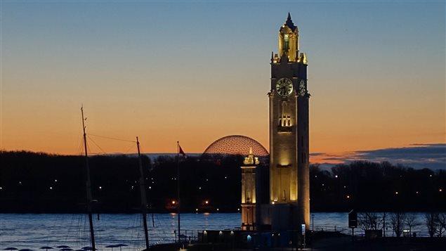 La tour de l'Horloge dans le Vieux Port de Montréal