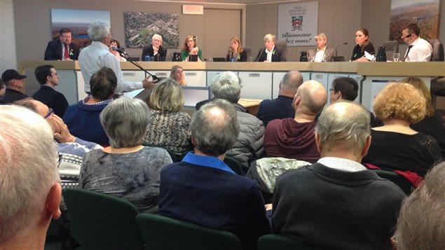 Réunion du conseil municipal de Saint-Bruno, le 18 avril 2016.
