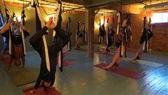Découvrez le yoga volant