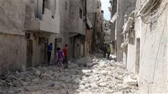Frappes aériennes meurtrières en Syrie : de nombreux civils pris pour cibles