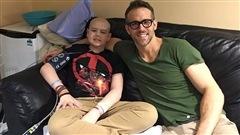 Ryan Reynolds fait ses adieux à un fan d'Edmonton emporté par le cancer