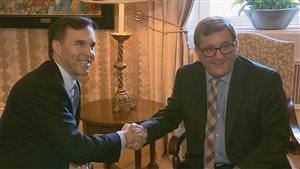 Première rencontre entre le ministre fédéral des Finanaces, Bill Morneau, et le maire de Québec, Régis Labeaume.