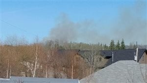 Un feu de forêt à proximité de La Ronge, en Saskatchewan.