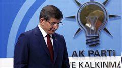 Le premier ministre turcAhmet Davutoglu annonce sa démission