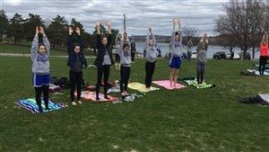 Grand yoga en herbe 2016. Collège Sacré-Coeur