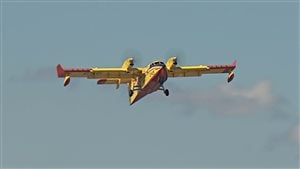 Des avions-citernes de la SOPFEU se sont envolés pour l'Alberta.