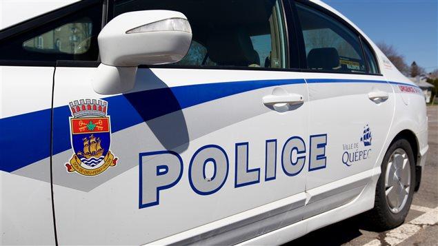 Autopatrouille de la ville de Québec 911 urgence police portière