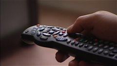 Télévision: le nombre d'abonnements chute, mais les prix augmentent