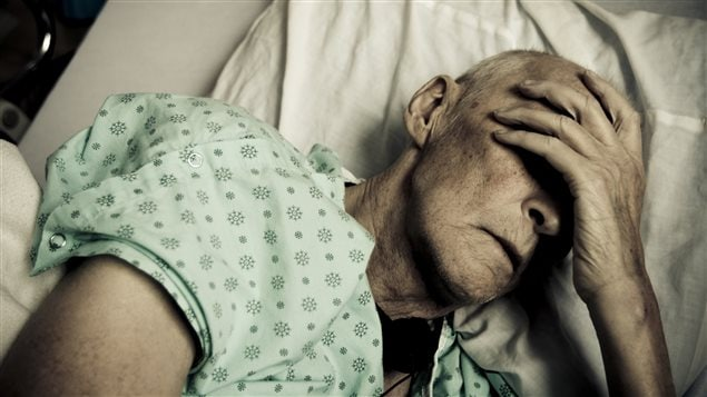 Un aîné à l'hôpital