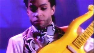 La guitare «Yellow Cloud» de Prince vendue aux enchères