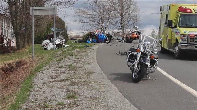 deux morts dans un accident de moto dans bellechasse ici. Black Bedroom Furniture Sets. Home Design Ideas