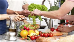 Les cuisines collectives, des avantages bien au-delà de la cuisine