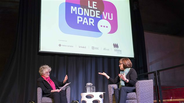 L'animatrice de la conférence, Françoise Guénette, et la conférencière, Alexandra Szacka