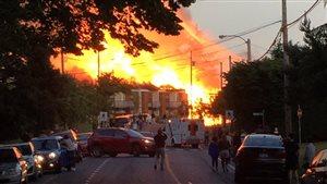 Cette image postée sur les réseaux sociaux montre le mur de flammes qui a sévi à Saanich.