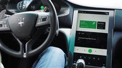 Google poursuit son offensive dans les véhicules