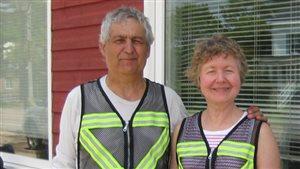 Edmund Aunger et sa femme Elizabeth Sovis lors de leur voyage à vélo.
