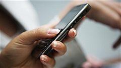 Des téléphones qui peuvent coûter cher en voyage