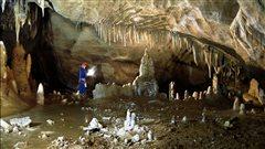 Le Néandertalien, l'homme qui explorait les grottes