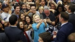 Clinton épinglée pour avoir utilisé un service de messagerie privé