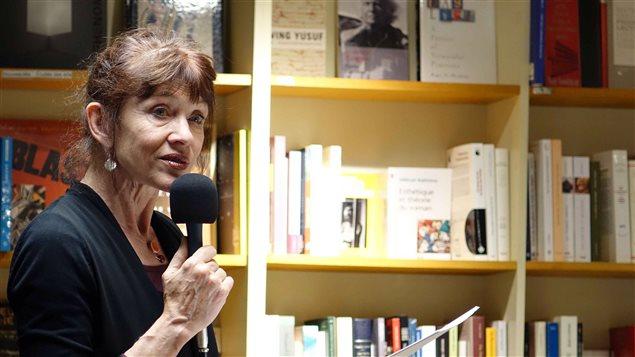 L'auteure Nancy Huston lors de la conférence enregistrée le 19 mai 2016 à la Librairie Olivieri à Montréal