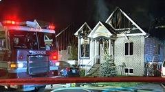 Un incendie ravage trois maisons à Terrebonne