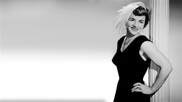 La chanteuse Alys Robi