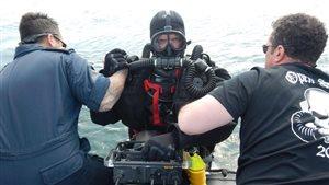 Un plongeur-démineur des Forces canadiennes.