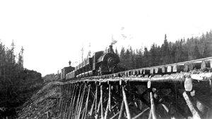 Pierre Landry a dirigé l'ouvrage Histoires de train : Rivière-du-Loup, carrefour ferroviaire de l'est du pays