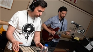 Smoked Beat (Marc Rodrigues) et le guitariste Stuart Wershof, duo groovy